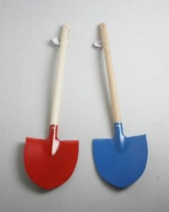Tiger Childrens Spade with Wooden Shank 8pk